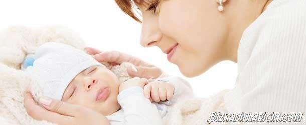 Mini Tüp Bebek - http://www.bizkadinlaricin.com/mini-tup-bebek.html  Mini tüp bebek tedavisinde anne adayına adetinin üçüncü gününde ultrason değerlendirmesi yapılır. Bu değerlendirmenin amacı kist olup olmadığını tespit etmektir. Mini tüp bebek tedavisinde anne adayına yalnızca folik asit takviyesi yapılır. Herhangi bir enjeksiyon yapılmaz. 4 gün sonra ise ultrason ile yumurtalık büyüp büyümediği kontrol edilir. Mini tüp bebek tedavisinde an