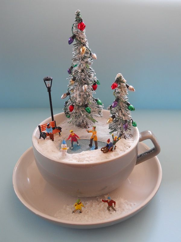 'SKaTiNG ToWaRDS CHRiSTMaS'  TEaCuP Diorama  ____byLoveHarriet @ www.lilyanddot.com.au