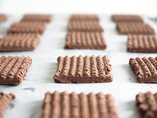 Icelandic Air Cookies Loftkökur:  • 300g icing sugar • 1 teaspoon baker's ammonia (ammonium carbonate) • 2 1/2tablespoons (30g) cocoa powder • 1 egg, beaten