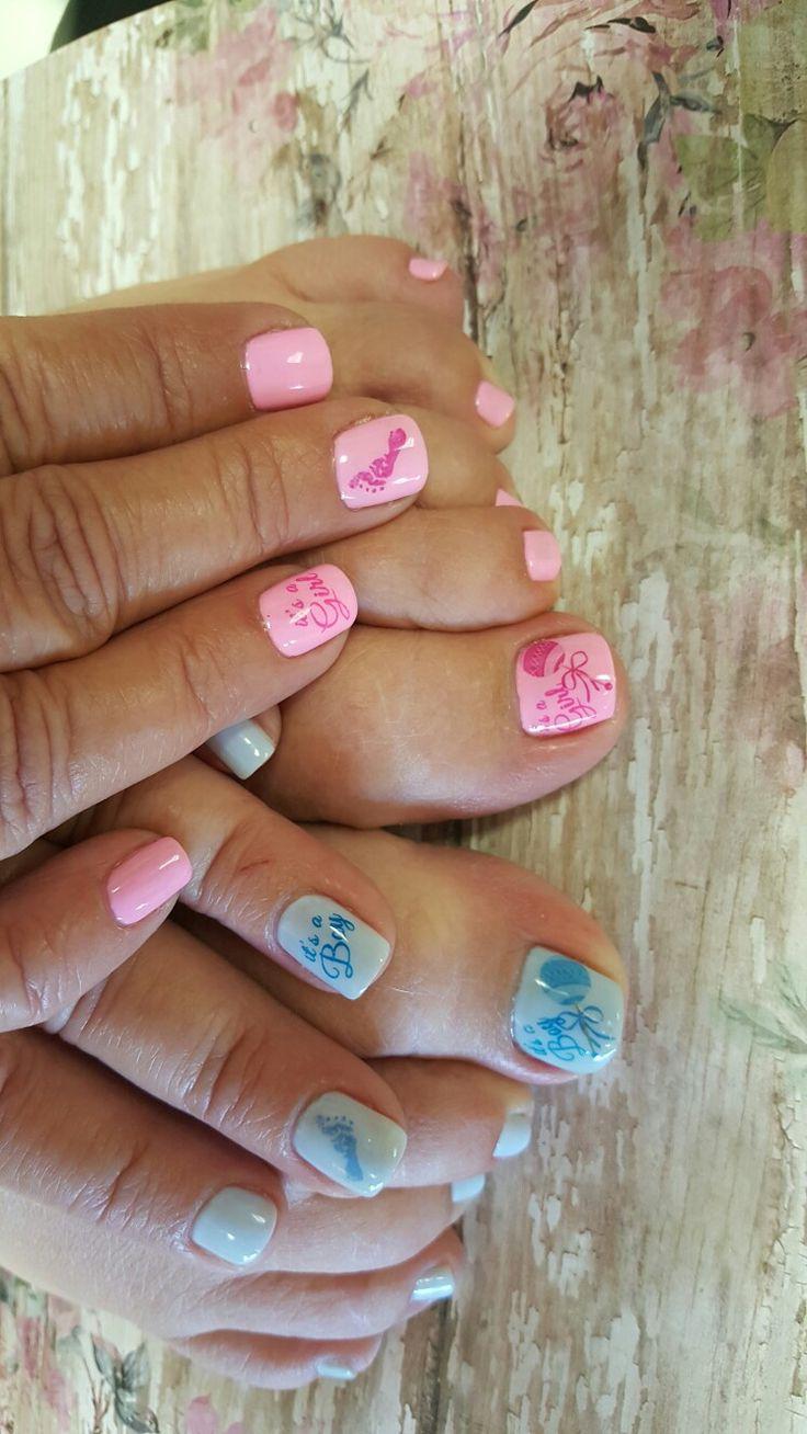 Baby nail art. Pink and blue. Gender reveal