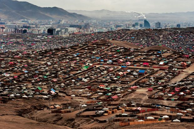 Des yourtes blanches en (bidon)ville - Les nomades de Mongolie quittent la steppe pour la capitale Oulan-Bator - National Geographic
