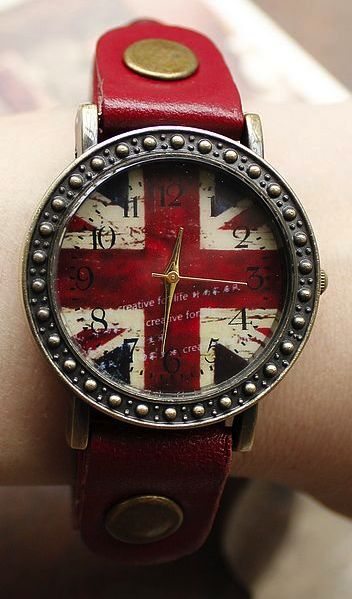 British flag watch. I would wear it every day!!! CUTE!!-- I need this. Right nowwwww!