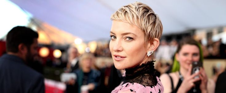Warning: Kate Hudson's Hairstylist Will Make You REALLY Want a Pixie Cut https://www.popsugar.com/beauty/Kate-Hudson-Pixie-Haircut-Stylis-Interview-Riawna-Capri-44524367