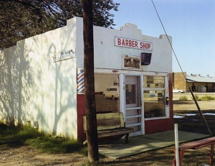 stephen-shore-4: Stephen Shore 4, Shore Uncommon, East Walnut, Artists Stephen, Uncommon Places, Established Artists, Start Posts, Shore Ain T, Walnut Street