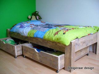Steigerhouten bed met onderbed | superbed | steigerhouten bed met laden | de Steigeraar
