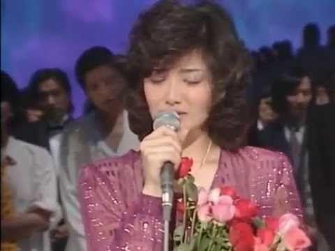 山口百惠 -『さよならの向こう側』- 1980.08 - https://www.youtube.com/watch?v=pwa7_uzbA3g