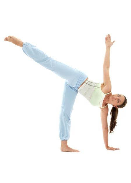 10 Benefits of Ardha Chandrasana (Half Moon Pose).. | Yoga ...