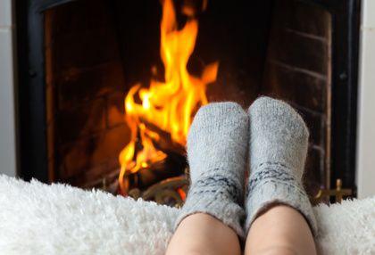 Le classique feu de foyer à toujours sa place dans les soirée hivernales! ©Provencia