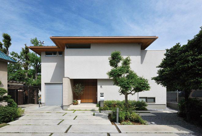 光の中でナチュラルな木の味わいを楽しむ家 House Pinterest House Modern
