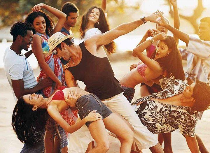 Oktatás Kupon - 57% kedvezménnyel - Oktatás - Új kezdő salsa indul szeptemberben, csütörtökönként a KÖKI mellett a KMO-ban, 6 alkalmas kezdő salsa tanfolyam a Salsa Con Timba Tánciskolában 2.990 Ft-ért..