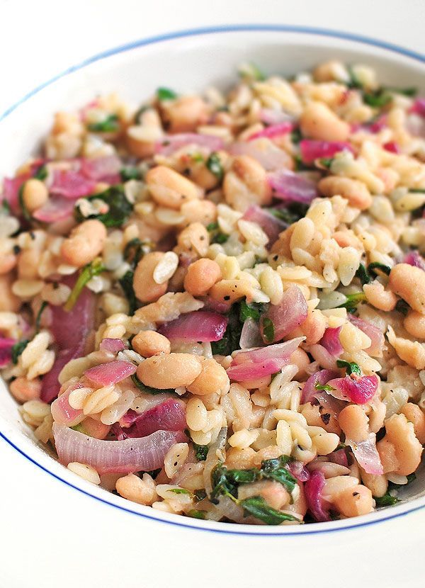 This Skillet Orzo with Spinach, Beans, and Lemon Recipe is  easy o make ahead as a side or light main dish.