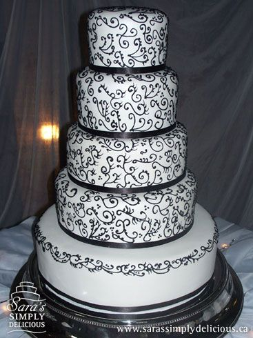 A Touch Of Luxe Wedding Inspiration Black And White Cakes Cleverly Created