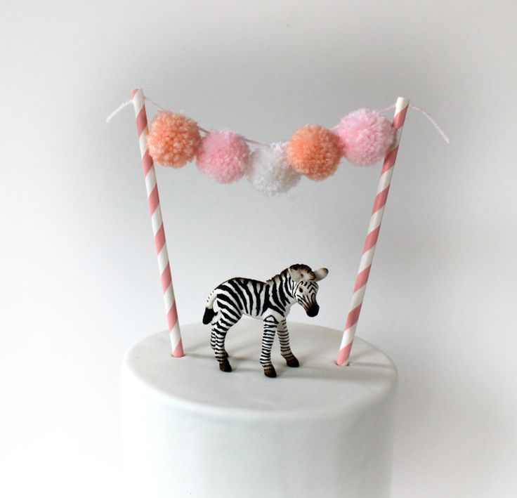pompom garlan pink peach www.lepetitbiscuit.nl
