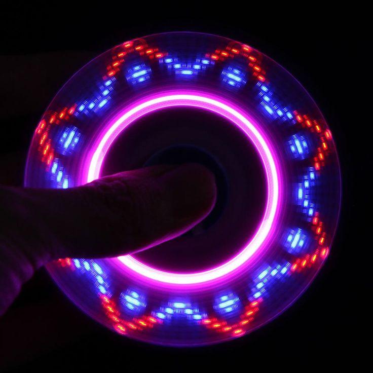 NYHET! LED USB Fidget Spinner (10 ulike mønstre!)