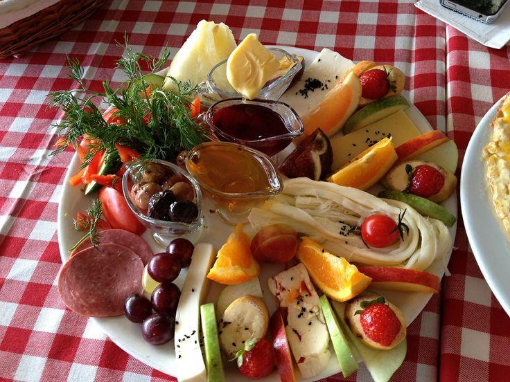 Cafe Nar - Boğaz manzarası yanında hediyesi | Normal is Good