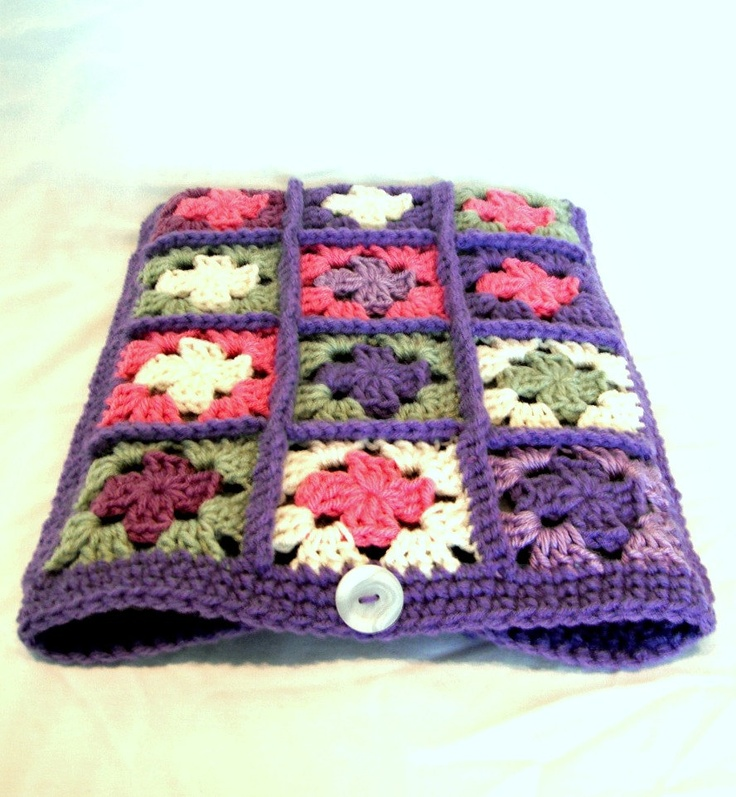 Crocheted Granny Square laptop sleeve-I'm going to come up with something like this for my Nook!