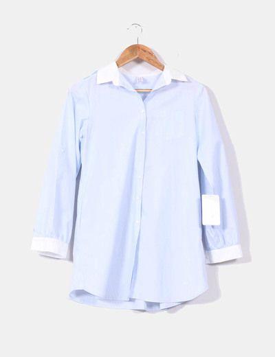 Camisa azul cielo con cuellos blancos Zara