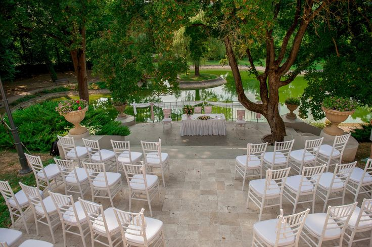 Not more than 60 km from Budapest, this setting creates a fairy tale outdoor wedding for up to 90 guests