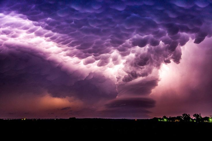 Вымеобразные облака в штате Небраска.