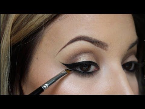 How To Apply Eyeliner Like a PRO! Simple and Quick! - YouTube