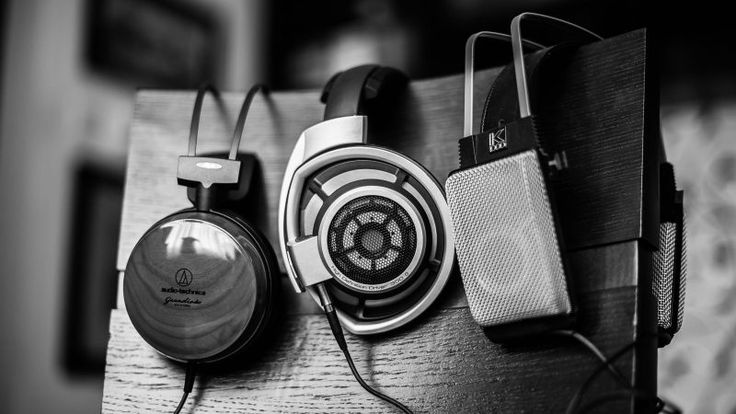 Open Back and Closed Back Headphones: What's the Difference?
