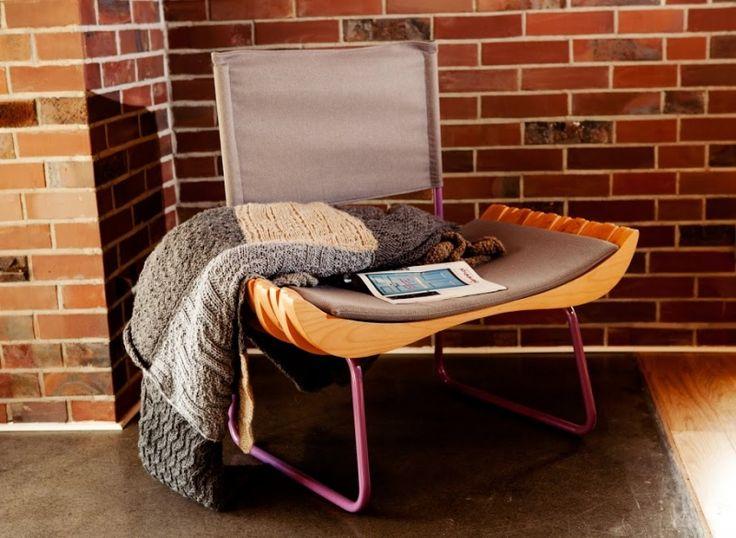 Twarde lite drewno i naturalna delikatna wełna to materiały ponadczasowe, a życie w stylu Eko jest nie tylko rozsądne, ale i trendy! Wiedzą o tym projektanci mebli Gie El – stoliki kawowe i krzesła z prezentowanej kolekcji wykonano z naturalnych materiałów wzbogaconych modnymi kolorami. Gie El Furniture to nowoczesny dom w zgodzie z naturą! http://houzee.pl/kampania/meblegieel