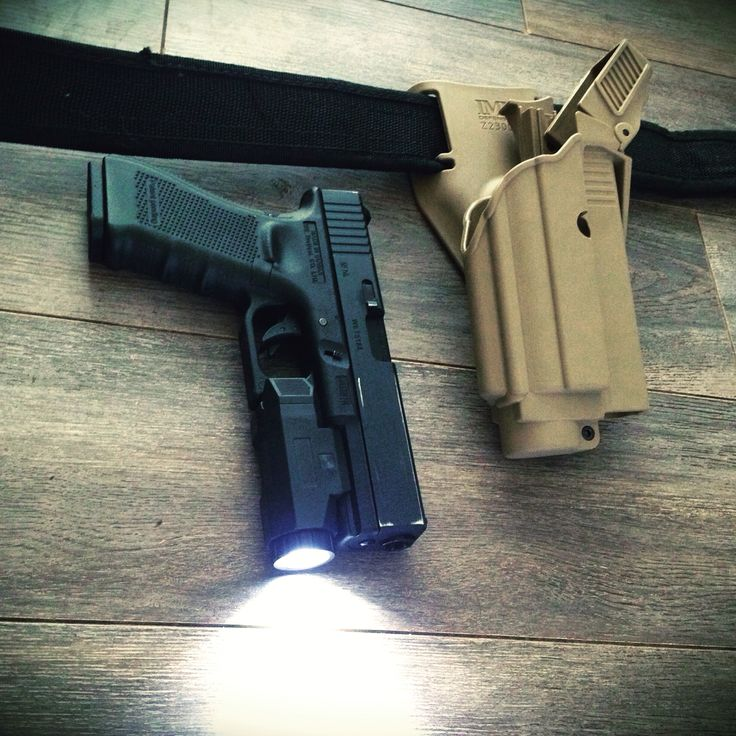 Airsoft WE glock17 + in force APL light + IMI Defense holster
