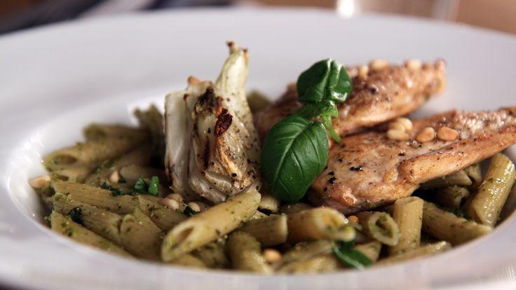 I denne retten kan du bruke kalkun, kylling, svin eller annet magert kjøtt. Hvit fisk duger også. En sunn og rask rett til helgekosen eller til hverdags.
