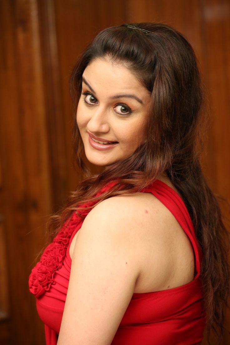 Sonia Agarwal @ Photo Shoot for 'Amma Nanna Oorelithe' Movie