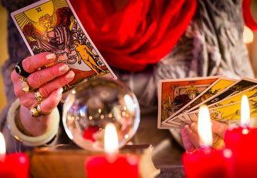 Kartenlegen - Beruf und Berufung  Mit Hilfe von Kartenlegen einen Blick in die Zukunft werfen.Doch wer sind die Menschen die sich hinter dem Kartenlegen verbergen ?  #Vidensus #Kartenlegen #Wahrsagen #Hellsehen #Gratisgespräch