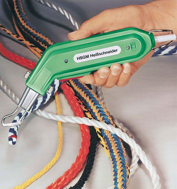 Heavy Duty German Handheld Hot Knife HSG-0 / 1 unit      Alat ini fungsinya memotong kain synthetic atau tali tambang plastik dengan menggunakan panas listrik.     Hasil potongnya rapi dan bersih, pinggiran potongnya langsung tertutup (tidak mbrudul).