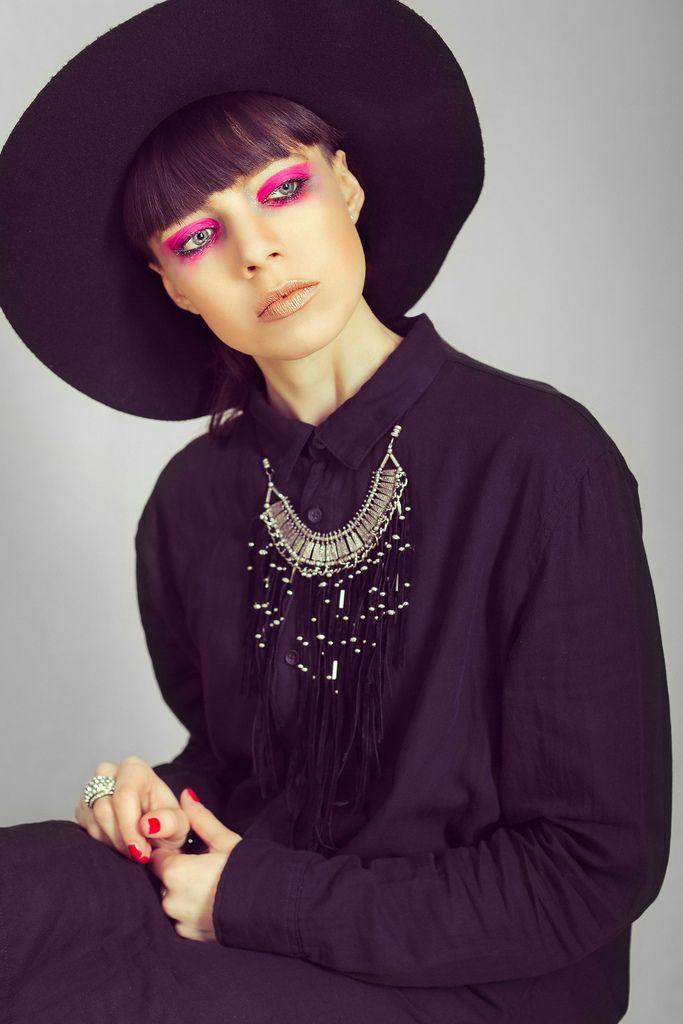 Photographer: Cristian Ruboni Model: Cristina Genghini Make-up: Cristina Genghini Outfit: H&M Neckless: Bershka  Copyright ©