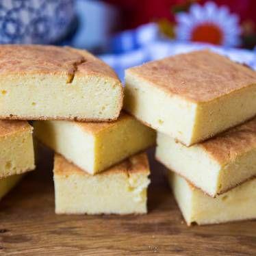 saftigt cornbread, ett majsbröd från USA som är poröst och så gott!