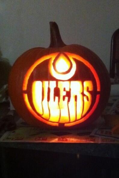 Edmonton Oilers pumpkin (Photo by: Twitter fan @Mitch_Guy) #HockeyHalloween