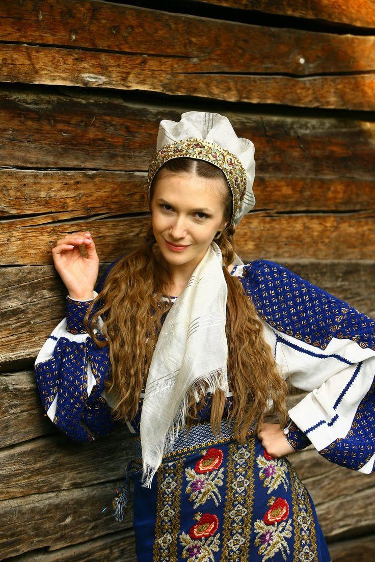 #AdelaPopescu