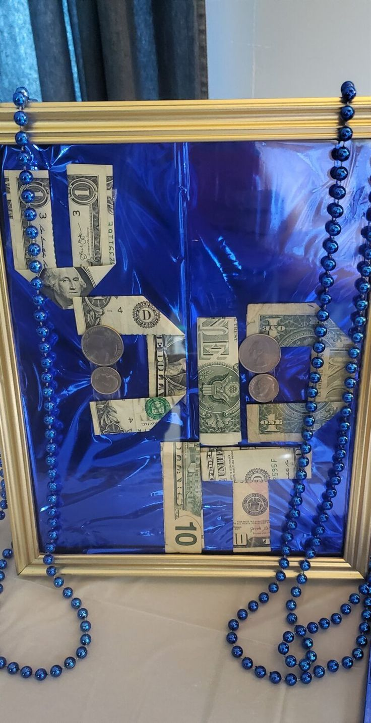 Diy graduation gift with money pizza box picture fame