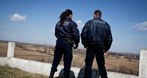 الشرطة اليونانية تعلن ايقاف ستة اشخاص يعملون على تهريب المهاجرين – صيحة بريس