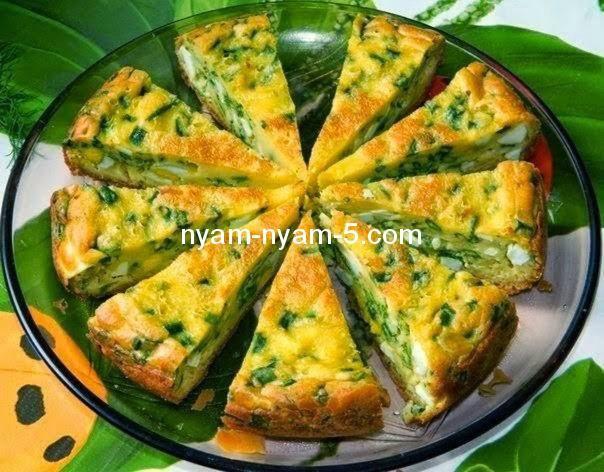 Весняний пиріг з яйцем та зеленою цибулею