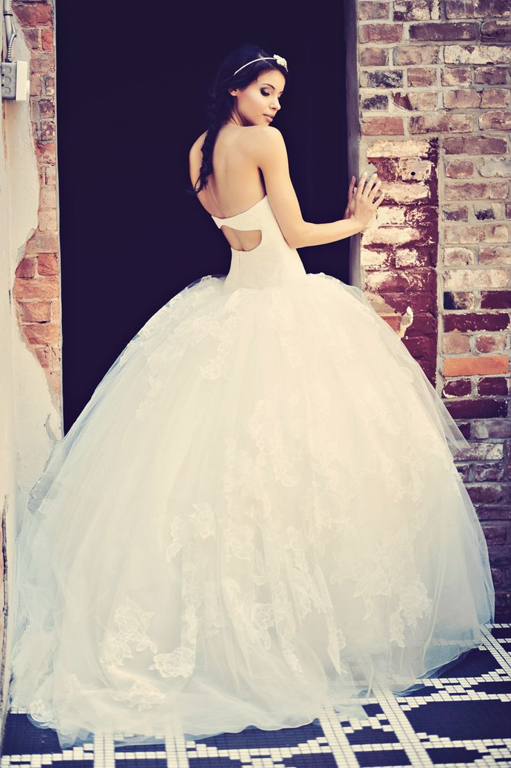 382 best bridal fashion editorials images on pinterest bridal urban inspired wedding inspiration in vancouver ombrellifo Image collections