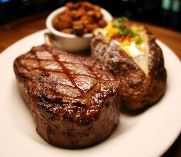 Me want some juicy steak right noow