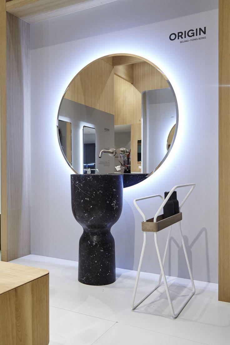 Gallery One Lavabo pedestal de Ceramilux y toallero Colecci n Origin dise ada por Seung