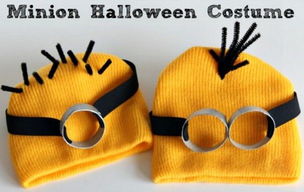 Quick and cute take on a favorite / Despicable Me Minion Halloween Costume / via make and takes