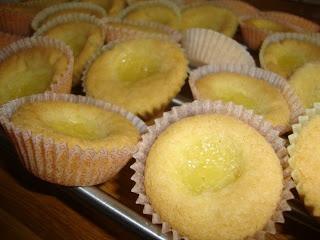 Frostrosor: Små påskkakor med lemon curd