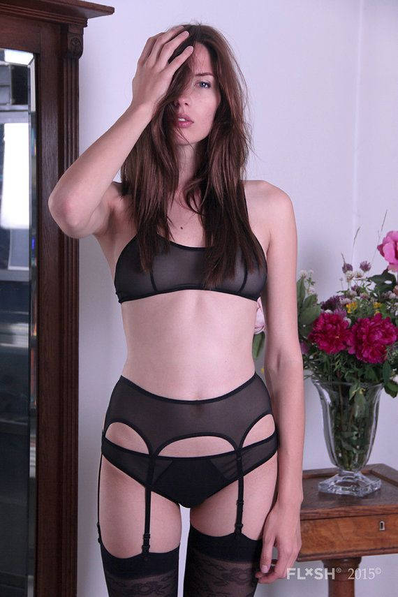 This seductive garter belt compliments your waistline and adds a romantic and seductive flair to your choice of underwear. The six strap design and
