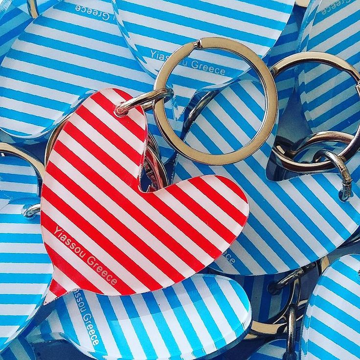 #plexiglass #keychain for @yiassougreece  #yiassou #greek #flag #heart #love #blue #red #screenprint #silkscreen #lazercut #greekdesigners #souvenirs from #greece #photooftheday #handmade #handprint #handcraft