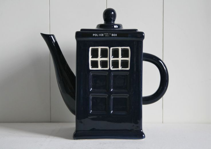 A policebox for your tea... www.oseasoudservies.nl
