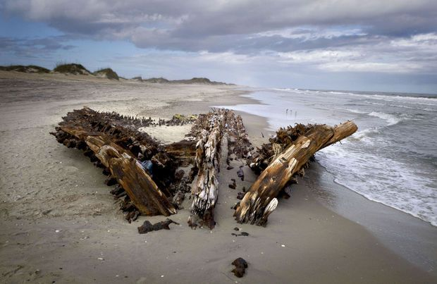 Tropical Island Beach Ambience Sound: Outer Banks Shipwreck: The Wreck Of The G.A. Kohler