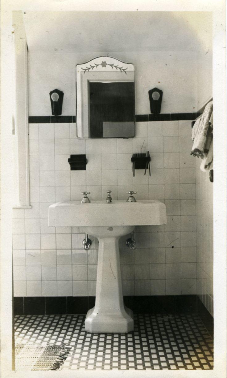 22 Best Images About Victoria 39 S Bathroom On Pinterest Art Deco Bathroom