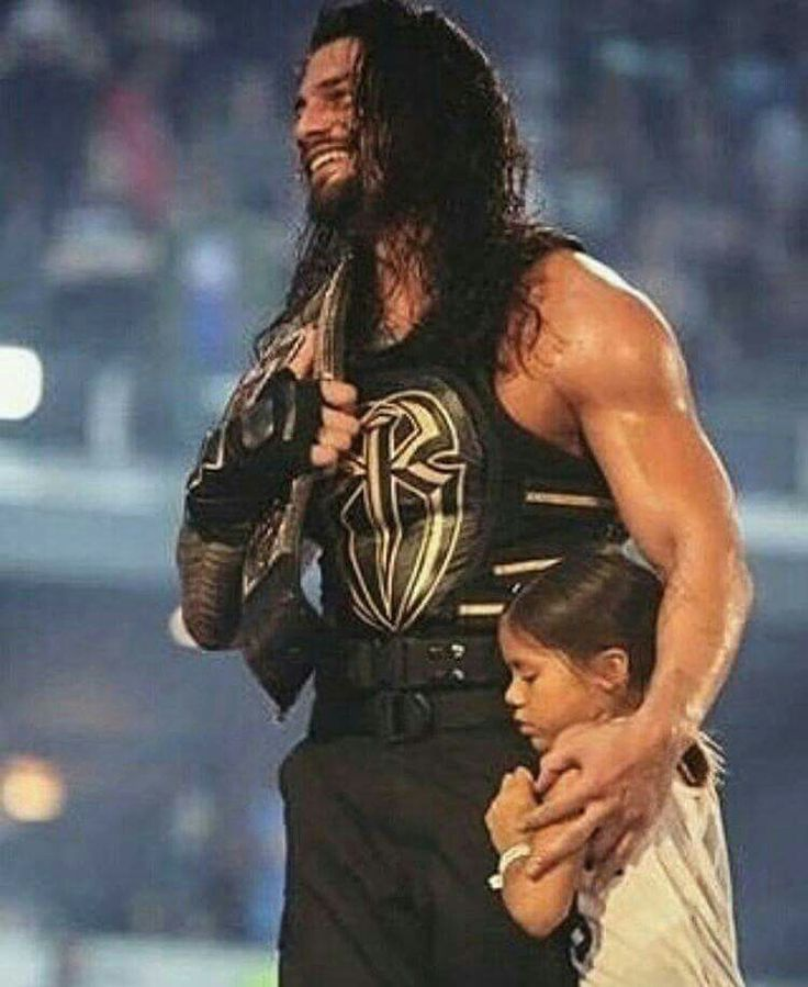 Roman Reigns (Joe Anoa'i) and his daughter Jojo after winning Wrestlemania 2016 and becoming champ. So sweet...