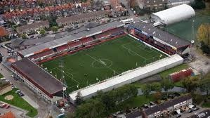 Volendam stadion, Volendam-Heerenveen een paar keer bezocht. Meest memorabel moment. Jan Smit met toenmalige vriendin Yolanthe gespot.